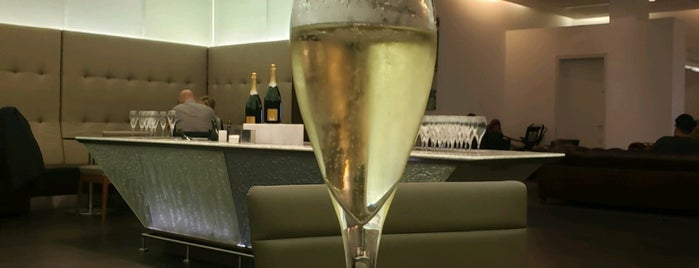 BA Champagne Bar is one of Lugares favoritos de Charles.