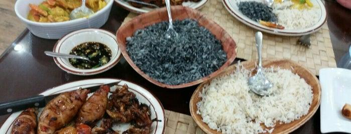 Bahay Kubo Restaurant is one of Gespeicherte Orte von Ruben.