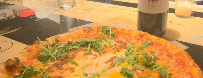 Mulino Italian Kitchen & Bar is one of Posti che sono piaciuti a Ryan.