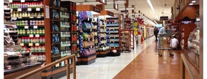 ShopRite is one of สถานที่ที่ Adam ถูกใจ.