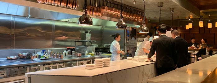 Chef's Table At Brooklyn Fare is one of Lugares guardados de Lizzie.
