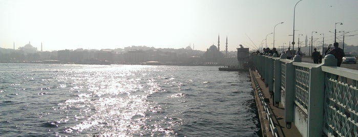 Galata Köprüsü is one of Istanbul Must See.