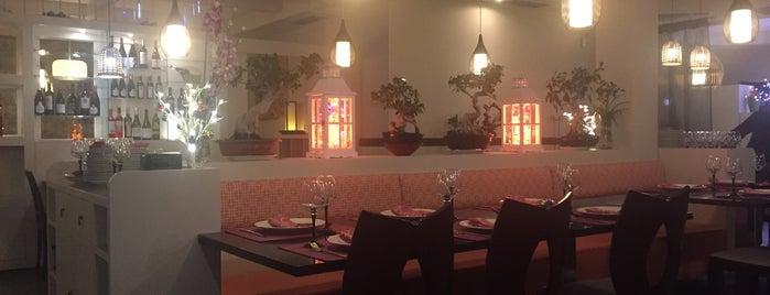 Happiness Restaurante is one of สถานที่ที่ Estefania ถูกใจ.