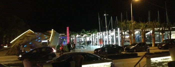 Fedo Cafe is one of Ömer : понравившиеся места.