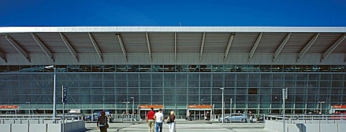 Varşova Chopin Havalimanı (WAW) is one of Airports (around the world).