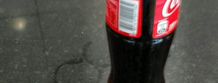 Fuente Soda ''A Tope'' is one of Al Bajón yo lo llevo en el <3.