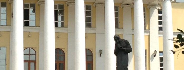 Музей-квартира Ф. М. Достоевского is one of สถานที่ที่บันทึกไว้ของ Дмитрий.
