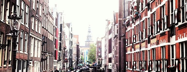 Zeedijk / 善德街 is one of Back to Netherlands ♥.