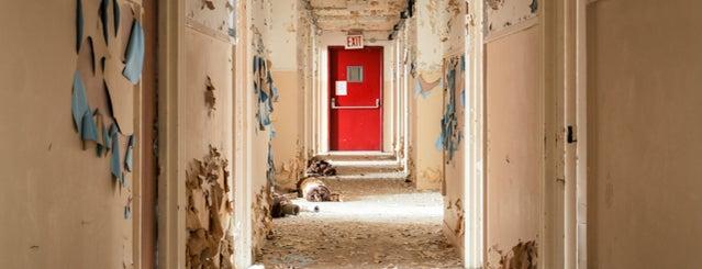 Bayley Seton Hospital is one of Abandoned NYC.