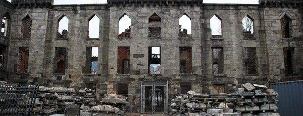 Roosevelt Island is one of Abandoned NYC.