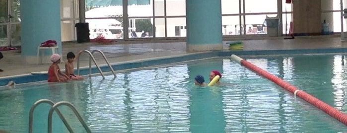 termal kapalı yüzme havuzu is one of GüZgnさんの保存済みスポット.