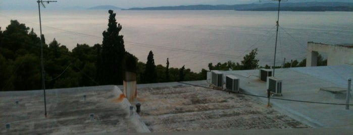 oikismos is one of Spetses Island.