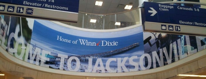 Jacksonville International Airport (JAX) is one of Aljon'un Beğendiği Mekanlar.