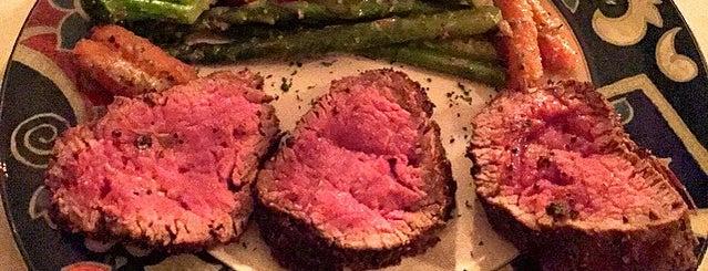 Lynn's Steakhouse is one of Orte, die Danny gefallen.