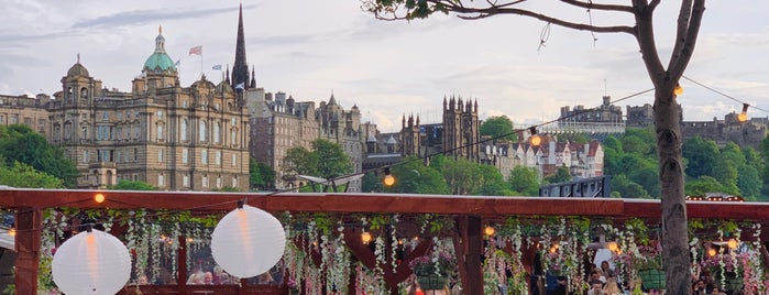 New Town is one of Edinburgh.