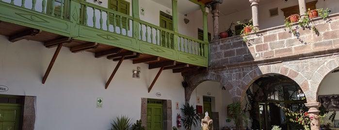 Ninos Hotel I is one of Orte, die Davide gefallen.