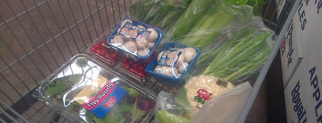 El Super Super Market is one of Orte, die Laura gefallen.