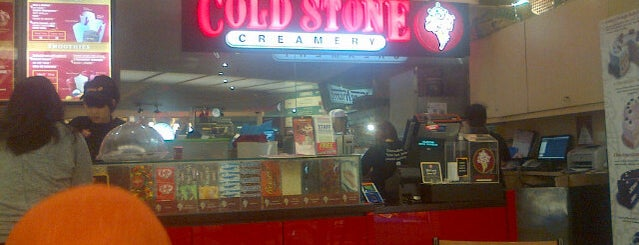 Cold Stone Creamery is one of Lieux qui ont plu à Dee.