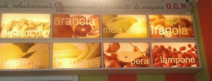 Gelateria Pacifico is one of Locais curtidos por Linda.