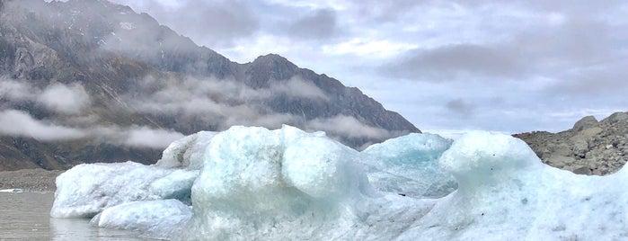Tasman Glacier is one of Новая Зеландия.