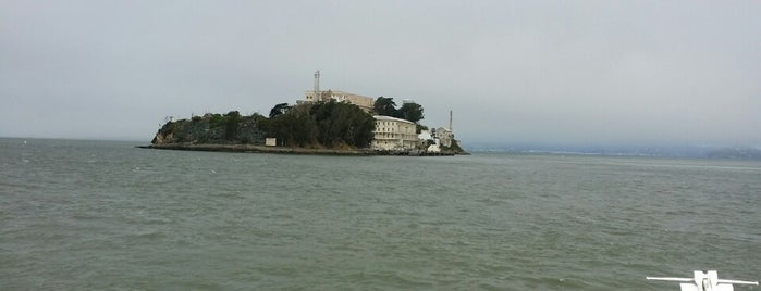 Alcatraz Island is one of Posti che sono piaciuti a Jennifer.