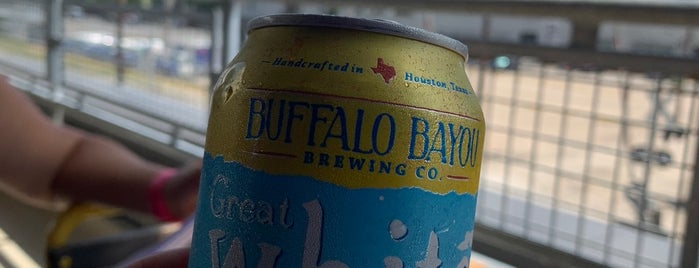 Buffalo Bayou Brewing Co. is one of Posti salvati di Rachel.