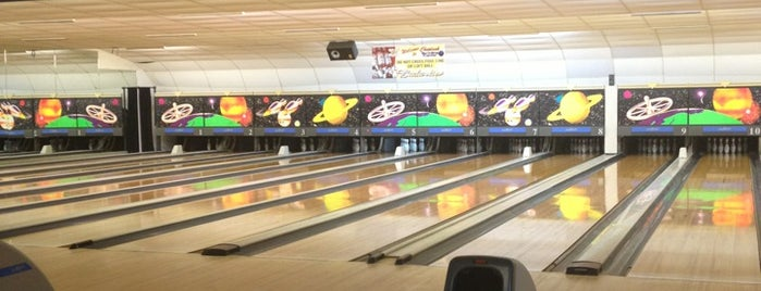 Choptank Bowling is one of Orte, die Hayley gefallen.