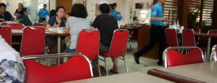 RM Padang Sederhana is one of Posti salvati di Valerie.