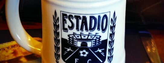 Estadio is one of สถานที่ที่ Julio D. ถูกใจ.
