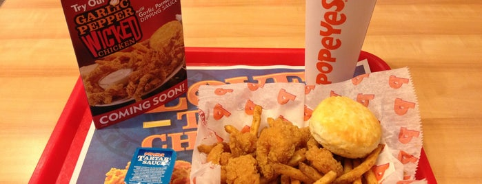 Popeyes Louisiana Kitchen is one of Posti che sono piaciuti a Dana.