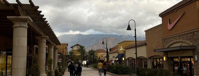 Desert Hills Premuim Outlets is one of LA.