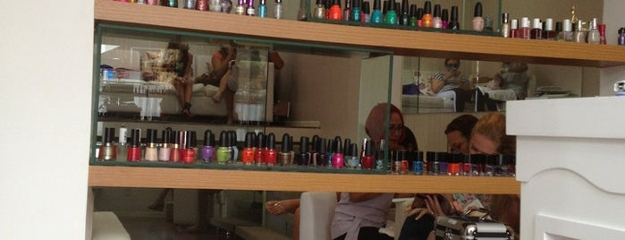 Top Nails is one of Posti salvati di Vanja.