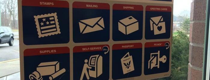 US Post Office is one of Christine'nin Beğendiği Mekanlar.