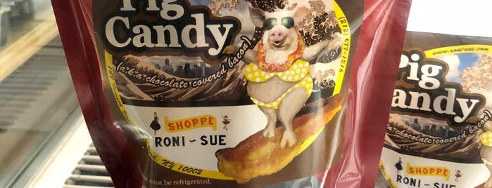 Roni-Sue's Chocolates is one of Lynn 님이 좋아한 장소.