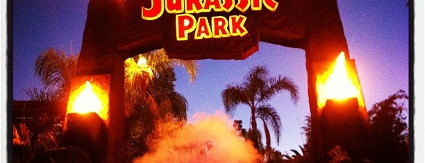 Jurassic Park The Ride is one of Orte, die Sergio M. 🇲🇽🇧🇷🇱🇷 gefallen.