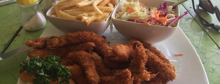Sunshine Beach Restaurant is one of Posti che sono piaciuti a Natalie.