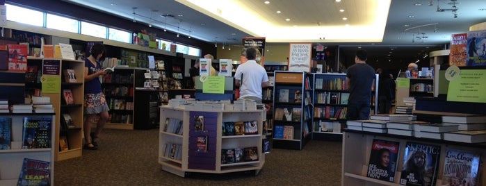 Mysterious Galaxy Bookstore is one of What should I do today? Oh I can go here!.