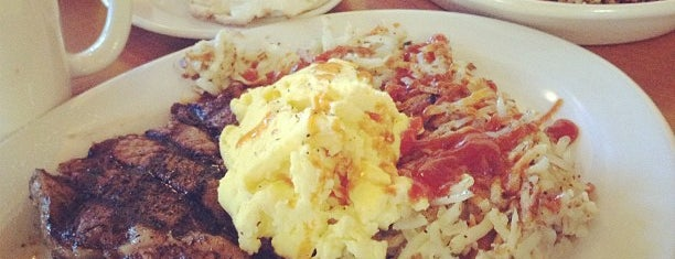 Rise and Shine, A Steak & Egg Place is one of Lugares guardados de Lizzie.