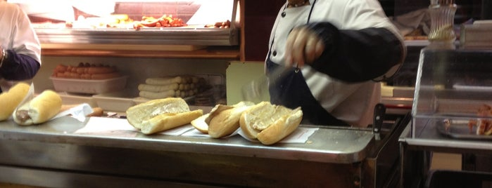 Frankfurt's Pedralbes is one of La hora del Bagel.