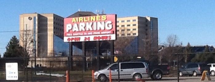 Airlines Parking is one of Orte, die Gautham gefallen.