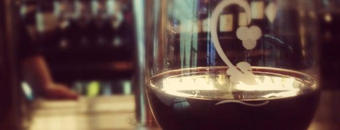 Crú Food & Wine Bar is one of Orte, die Bethany gefallen.