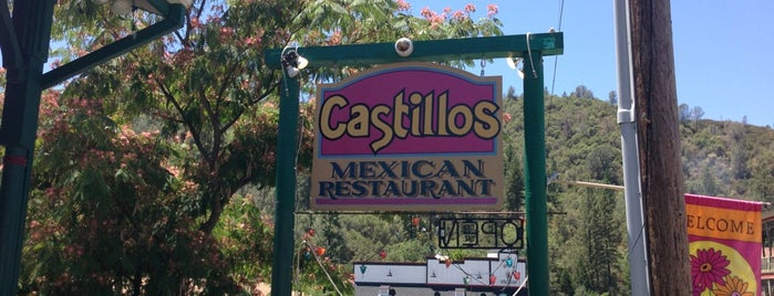 Castillos Mexican Food is one of Locais curtidos por Alex.