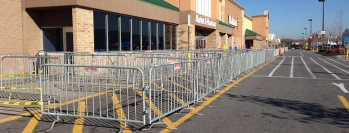Walmart Supercenter is one of 🎄Bristol🎄さんのお気に入りスポット.