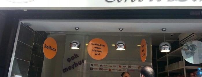 Dondurmacı Yaşar Usta Kadıköy is one of Adil : понравившиеся места.