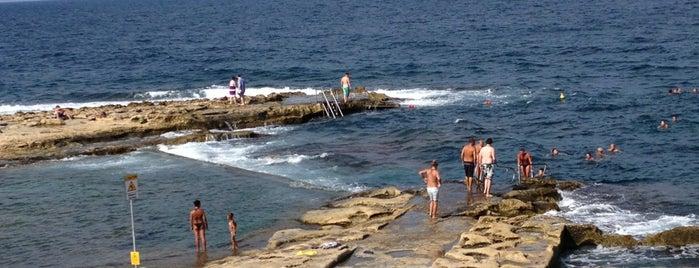 Sliema Beach is one of 😎 Mariann'ın Beğendiği Mekanlar.