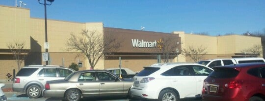 Walmart Supercenter is one of Tempat yang Disukai Unique.
