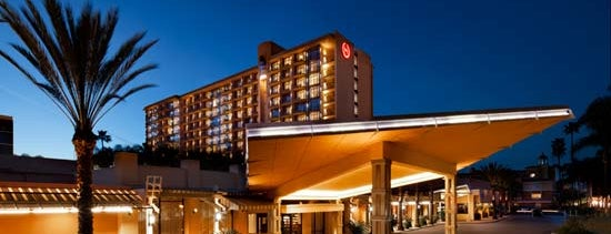Sheraton Park Hotel at the Anaheim Resort is one of Lugares favoritos de Christian.