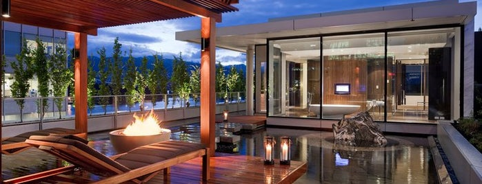 Fairmont Pacific Rim is one of Tempat yang Disukai Amanda.