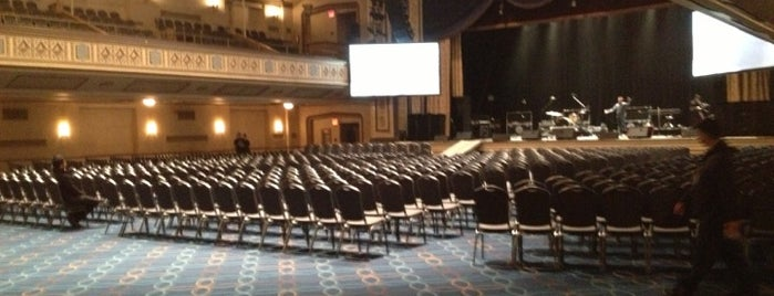 Grand Ballroom at the Manhattan Center is one of Posti che sono piaciuti a Brenna.