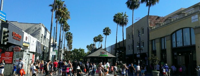 Third Street Promenade is one of LA Guide for Arabs ;).